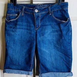 Denim shorts size 10 GUC
